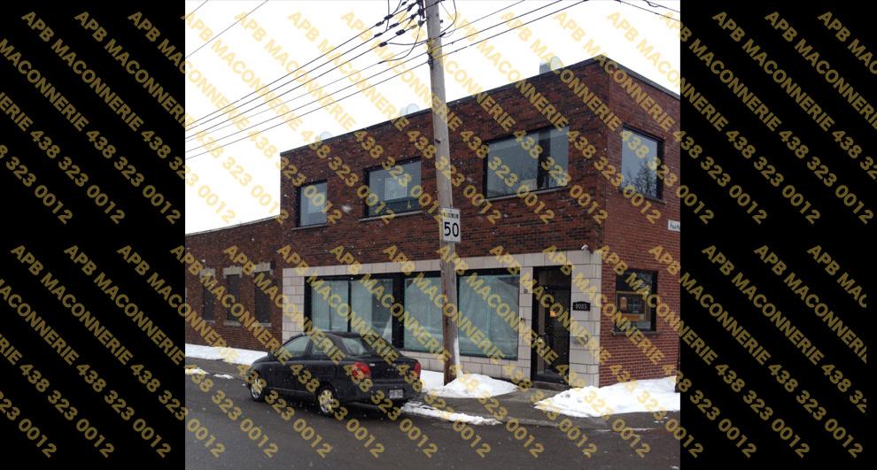 Remise a neuf de facade de batiment commercial - Projet de briquetage maconnerie remise a neuf de facade batiment commercial Pose de blocs architecturaux de type Arriscraft et de brique d argile M1 Lieu Ville de Montreal