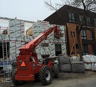 Construction mur de blocs de beton Montreal - Séparation coupe-feu 2 heures au feu, ancré à la fondation avec des goujons de 12 pouce et colle epoxy Hilti et couler avec coulis de remplissage blocfiller au 32 pouces