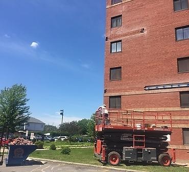 Reparation de brique Montreal - Linteau rouillé et membrane solin mal installée, réparation de linteaux structuraux, remplacement de brique éclatée, remplacement de brique fissurée Montréal Verdun