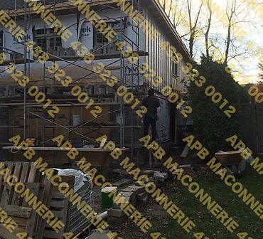 Projet de reparation de maconnerie  - Réparation de solins intramuraux, nettoyage de la brique et la réinstaller. Travaux de maçonnerie effectués à Boucherville.