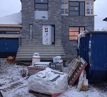 Projet de pose de pierre Cinco de Permacon - Construction neuve d une maison unifamiliale dans la region de Beloeil