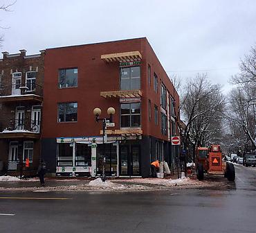 Projet pose de brique format metrique - Construction neuve de condominiums travaux de maçonnerie effectués à Montréal dans l arrondissement Plateau Mont Royal