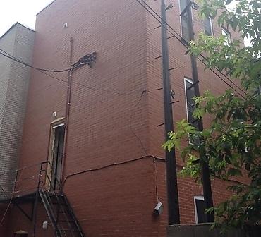 Reparation ventre de boeuf Plateau-Mont-Royal Montreal - Démolition complète du à un ventre de boeuf et brique qui s'effrite, infiltration d'eau derrière le mur de brique