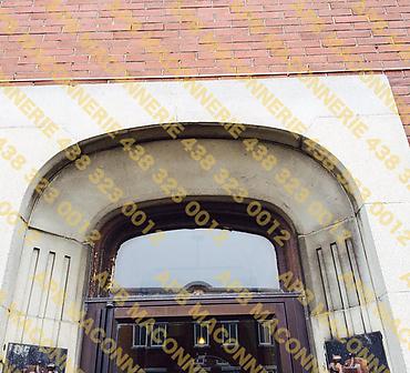 Projet de maconnerie reparation residentielle - Installation de nouveaux linteaux architecturaux et reparation de joints de brique Travaux de maconnerie effectues a Montreal dans l arrondissement St Leonard