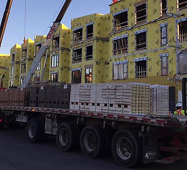 Projet de briquetage et maconnerie a Longueuil, rive-sud de Montreal - Projet de maçonnerie: pose de briques Kansas and Tiles. Travaux de maçonnerie effectués à Longueuil.